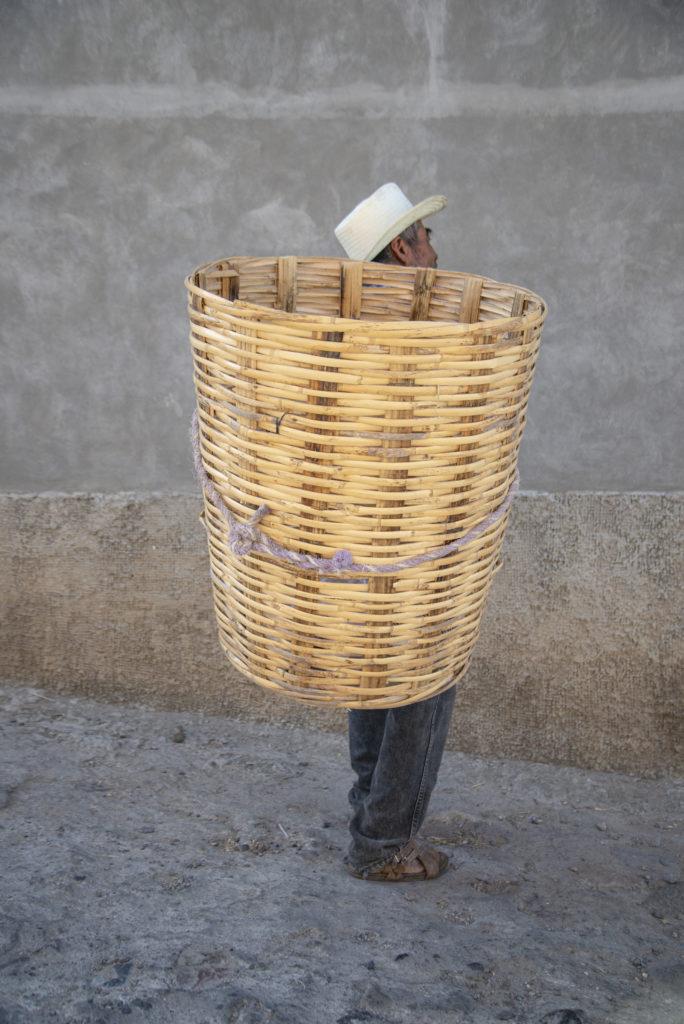 Un Abrazo de Raíz: Luvia Lazo a través de la fotografía te sumerge a la cultura mexicana de la mano de Lincoln. - macuil______6