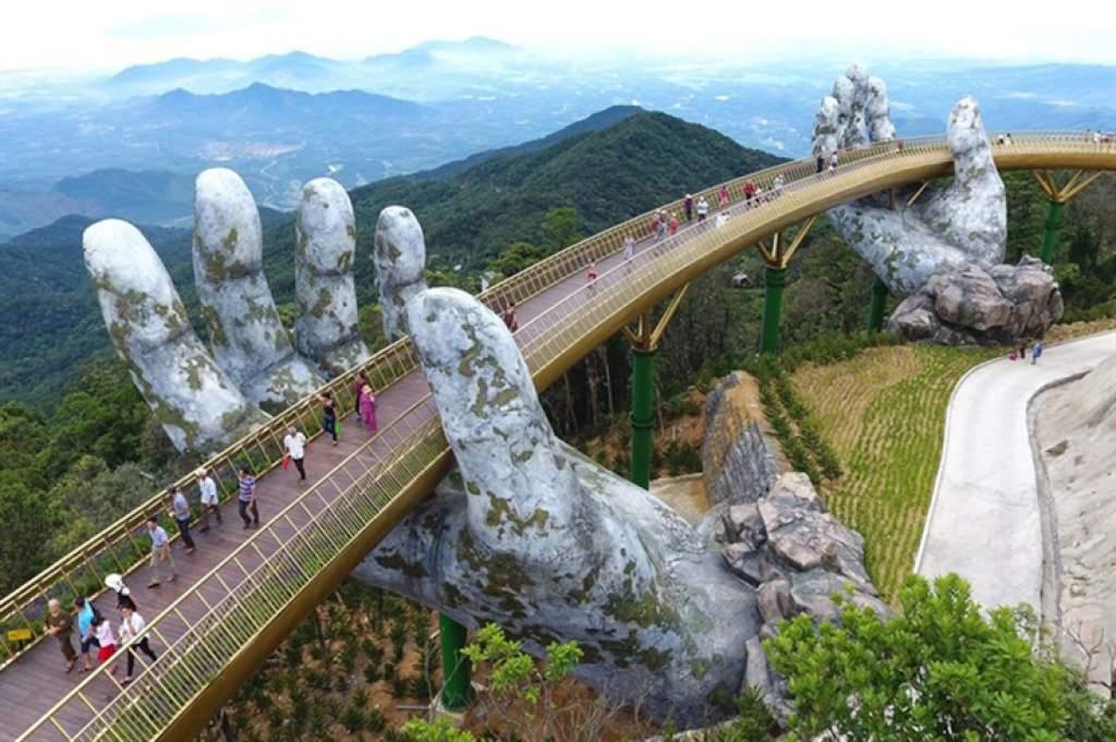 Conoce el impresionante Puente Dorado de Vietnam