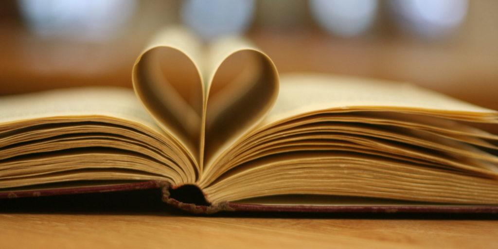 Historias románticas que tienes que leer durante este mes