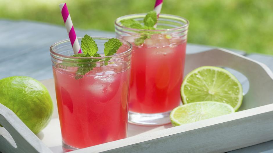 6 bebidas refrescantes y sin alcohol para esta temporada