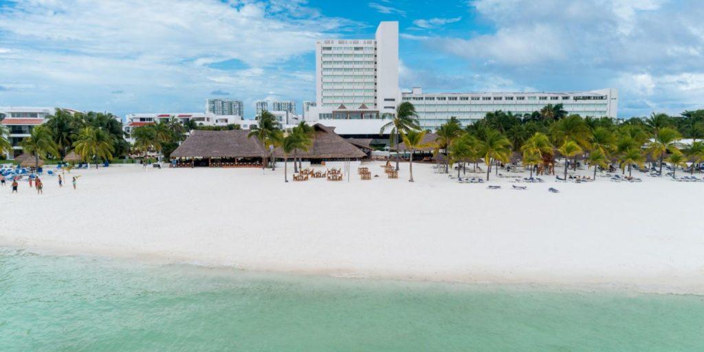 Presidente InterContinental Cancún, una experiencia de lujo y relajación en una de las playas más exclusivas de México