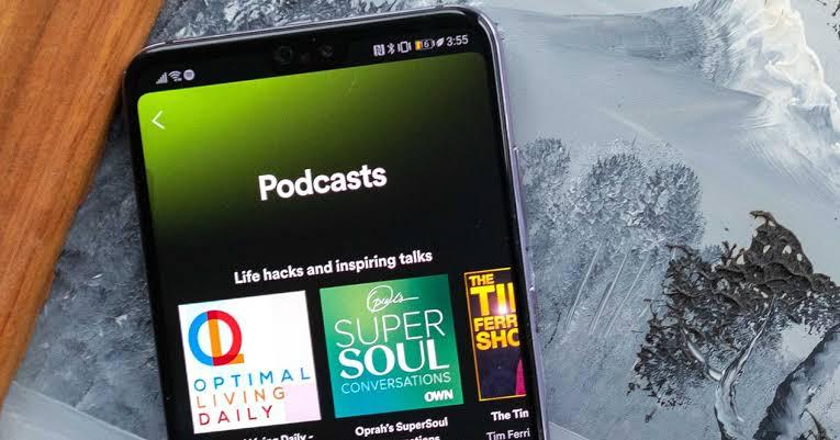 Los 5 mejores podcasts de comedia en Spotify