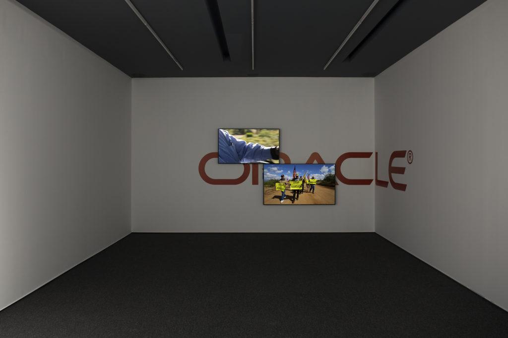 """Oráculo"", la primera exposición de Yoshua Okón en Proyectos Monclova"