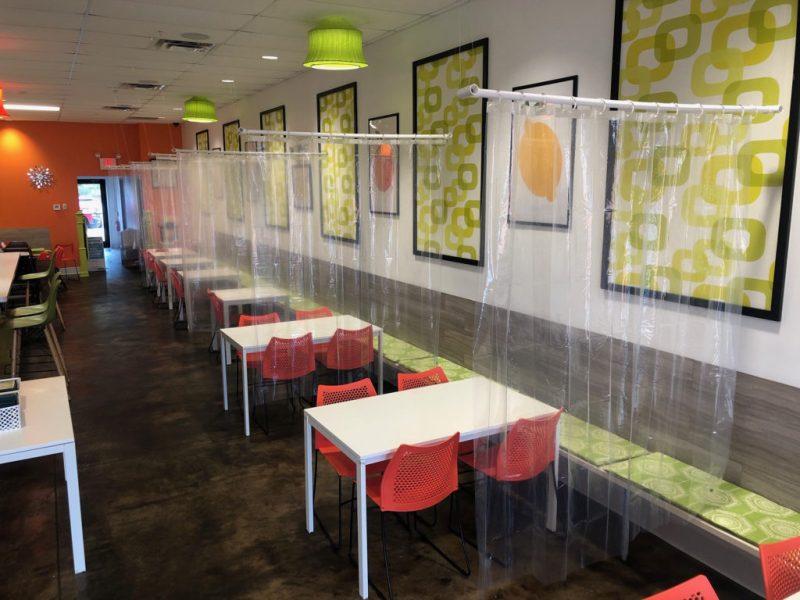 Creativas maneras en las que los restaurantes mantienen el distanciamiento social - social-distancing-en-restaurantes-alrededor-del-mundo-4