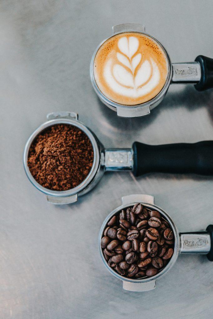 5 beneficios de tomar café antes de hacer ejercicio - link-foto-2-dolor-muscular-but-first-coffee-5-beneficios-de-tomar-cafe-pre-workout