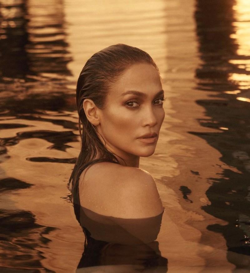 Fun facts de Jennifer Lopez que probablemente no sabías - fun-facts-de-jennifer-lopez-que-probablemente-no-conocias-jennifer-lopez-fitness-routine-workout-rutine-jennifer-lopez-jlo-google-amazon-portada-de-jlo-desnuda-cuepo-de-jlo-en-portada-de-revista-6-1
