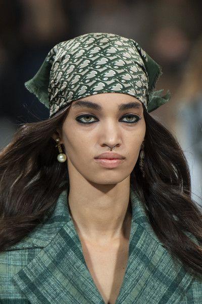 10 fashion trends para el 2021 - scarf