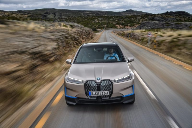 Conoce el nuevo BMW iX, un SAV completamente eléctrico - bmw-ix-amazon-zoom-online-google-nfl-packers-playoffs-google-bmw-amazon-google-bmw-ix-tech-google-online-coronavirus-nfl-2