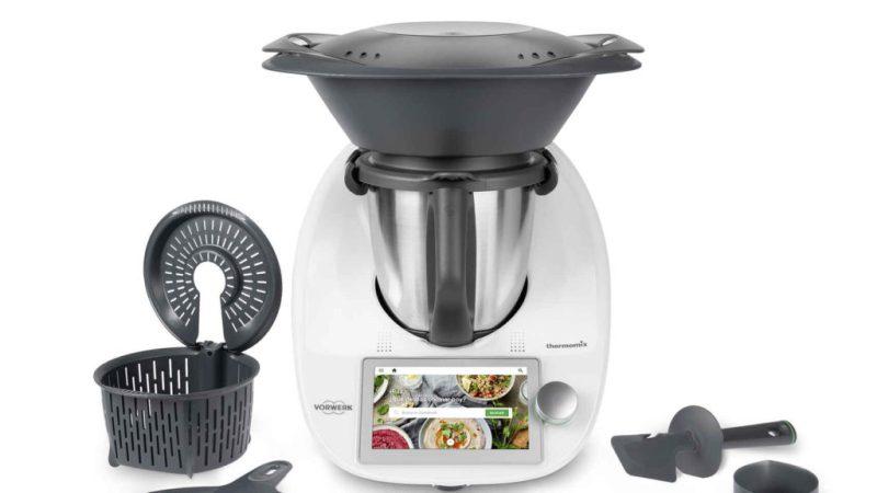 Descubre los mejores gadgets para tu cocina en esta temporada - thermomix-robotica-recetas-462215042-143248155-1706x960