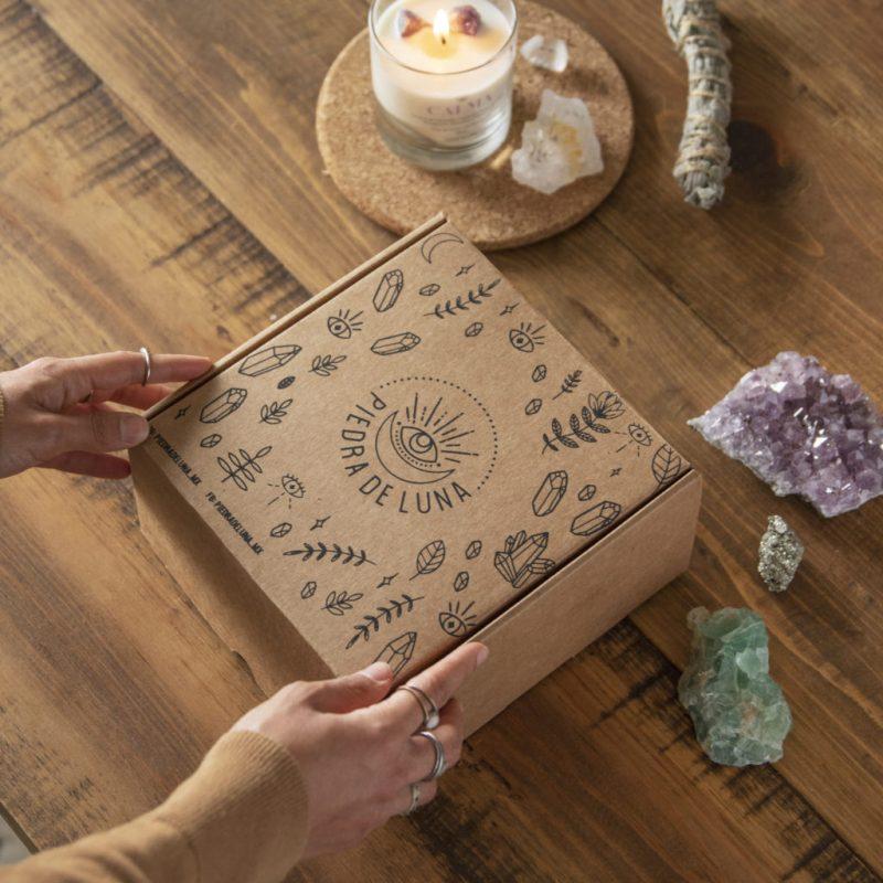 Velas con intención de amor. Conoce la propuesta de Piedra de Luna - velas-con-intencion-de-amor-conoce-la-propuesta-de-piedra-de-luna-energia-mindfulness-yoga-4