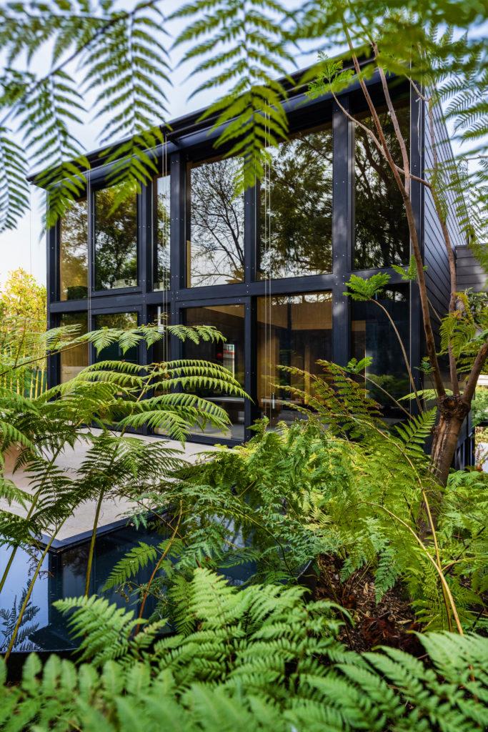 PI, la primera casa mexicana prefabricada 100% con aluminio - pi-la-primera-casa-mexicana-prefabricada-de-aluminio-arquitectura-miguel-angel-aragones-5
