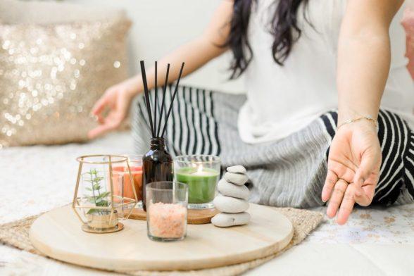 6 podcasts ideales para entrar al mundo de la meditación - shashi-chaturvedula-fjywhowyp6k-unsplash