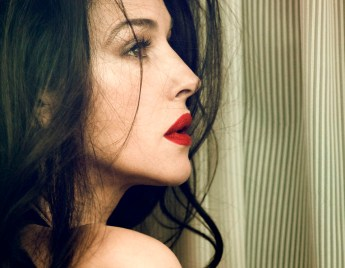 Monica-Bellucci-Signe-Vilstrup-Photoshoot-for-Vanity-Fair-Italy-2012-2