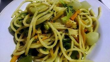 Spaghettis aux légumes grillés et tomate fraiche
