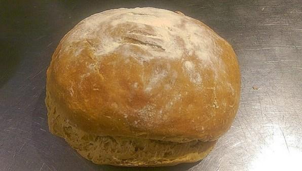 Miche de pain frais maison