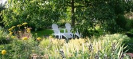 Liegstuhl unter dem Nussbaum - Hotel au Relais de l'Ill - Booking Seite