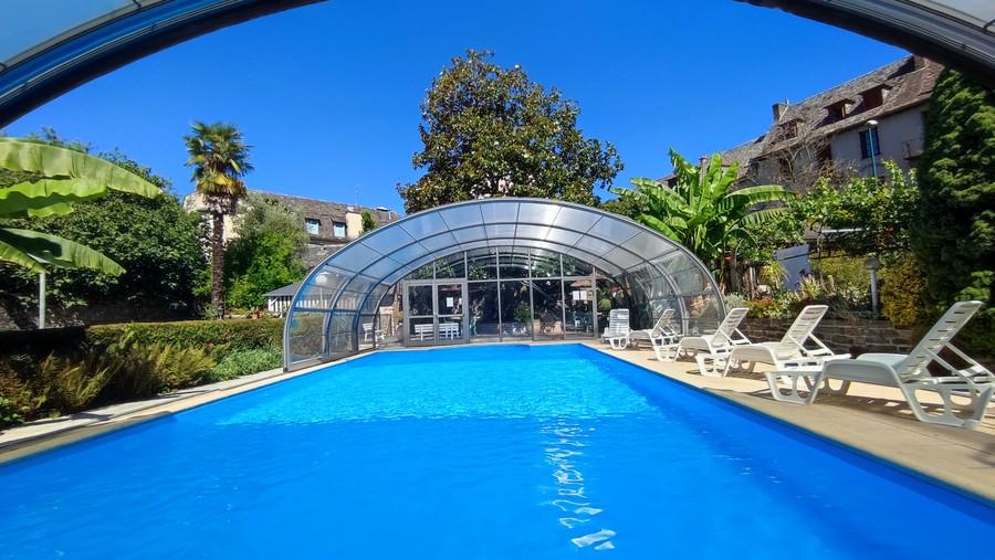 Hotel avec piscine tennis sauna jacuzzi minigolf