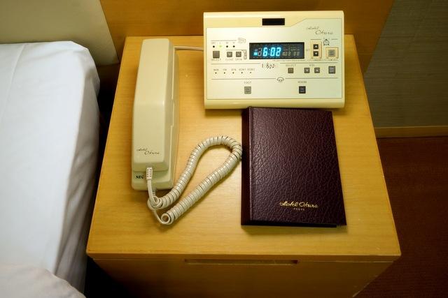 ホテルオークラ東京_ナイトテーブル