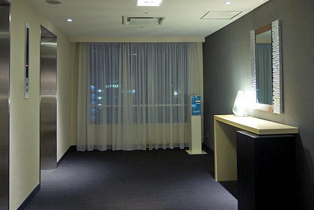 国際21_エレベーターホール