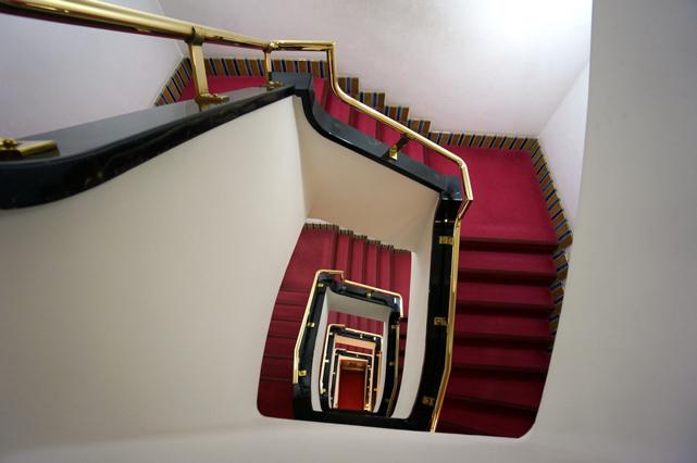 山の上ホテル_階段