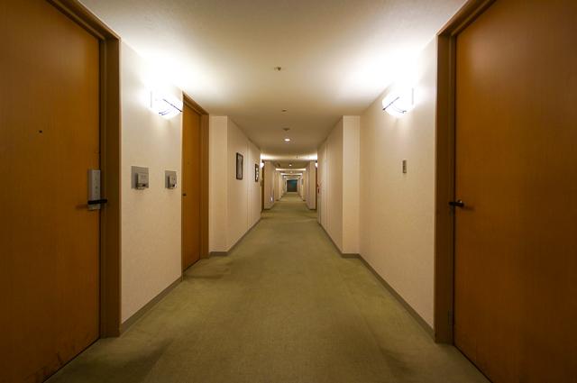 ロイヤルパインズホテル浦和_廊下