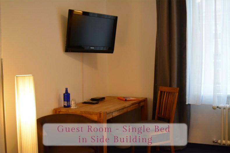 Gästezimmer - Einzelbett, Arbeitsbereich