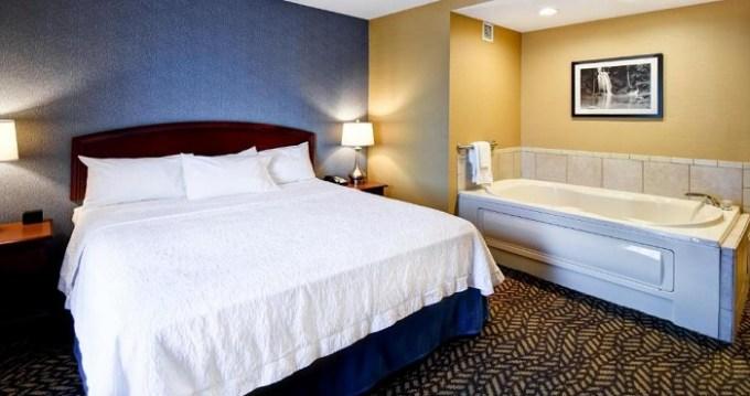 King room with a whirlpool tub in Hampton Inn Chicopee - Springfield