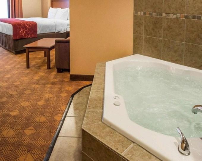 Hot tub suite in Comfort Suites Monaca, near Pittsburgh, PA