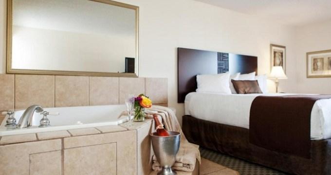 Hot tub room in Best Western Plus Seville Plaza Hotel, Kansas City, MO