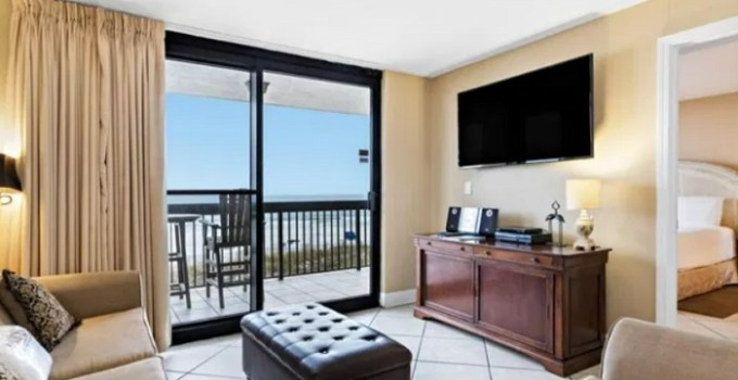 Beachfront suite in Sundestin Beach Resort I, Destin, FL