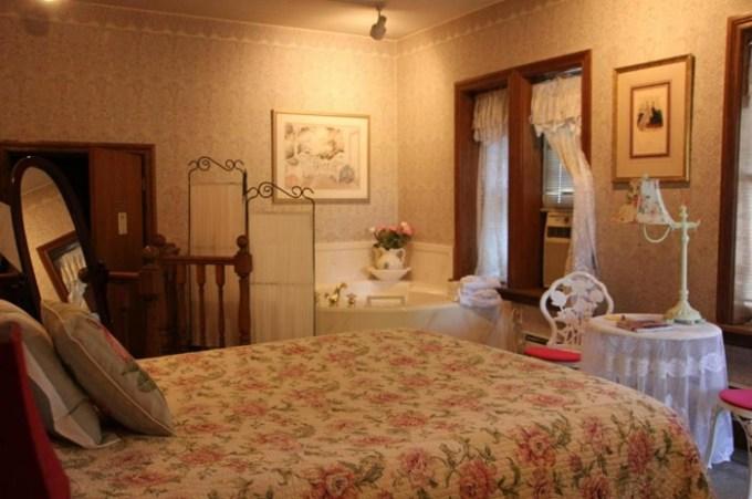 Hot Tub Suite in Hines Mansion, Provo, UT