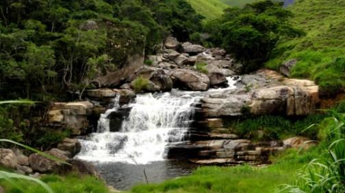 Famosa em diversas novelas da Rede Globo e em produções cinematográficas, a Cachoeira dos Frades encanta com a beleza natural que a cerca.