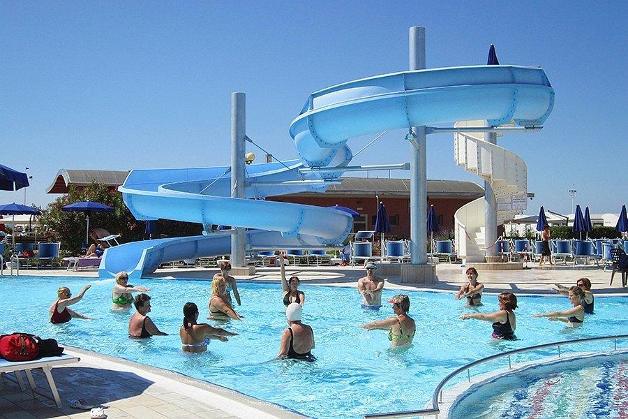Le piscine e lidromassaggio dellHotel Cesare Augusto