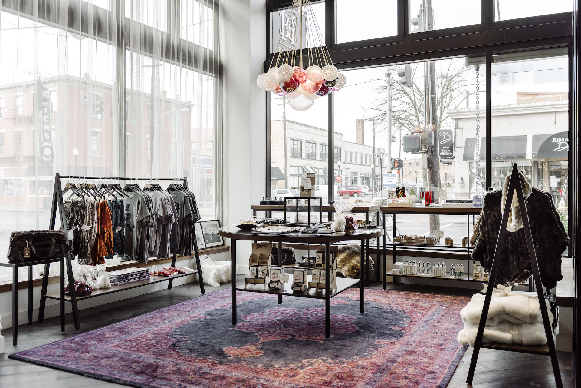 Holiday Pop Up Shop Gia And The Blooms Hotel Covington