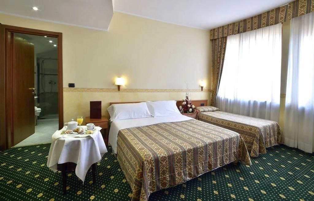 camera matrimoniale hotel aperti a torino