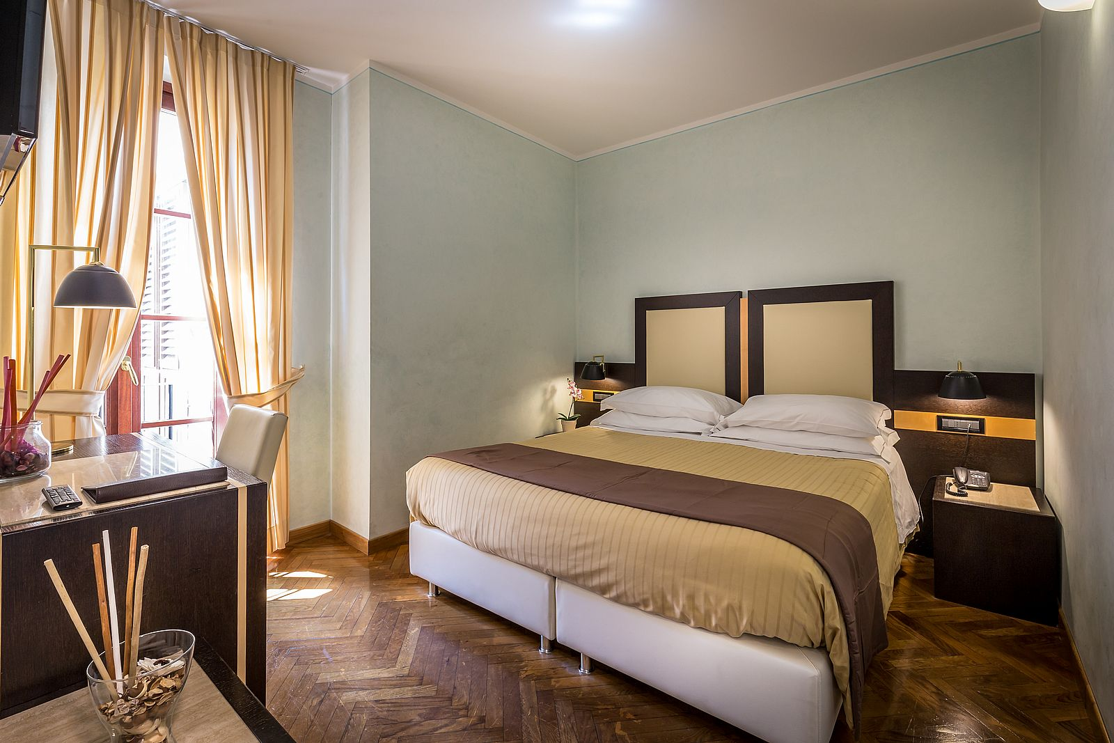 Guest House Soggiorno Monaco Firenze Double And Single Room With View On Florence Hotel Duomo Florence