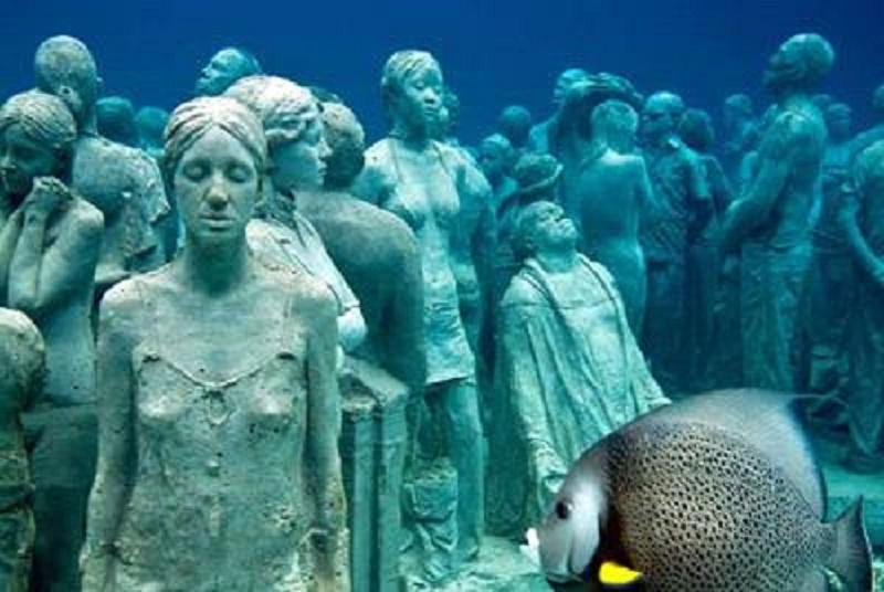 imagens-de-estatuas-no-fundo-do-mar-de-cancun