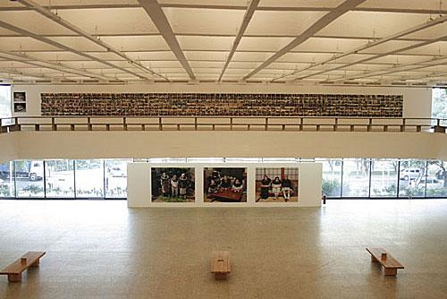 imagem-de-quadros-de-exposição-dentro-do-museu