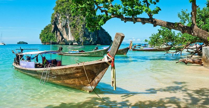 imagem-de-barco-de-pescador-local