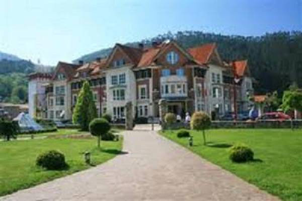 Gran Hotel Balneario Puente Viesgo 02