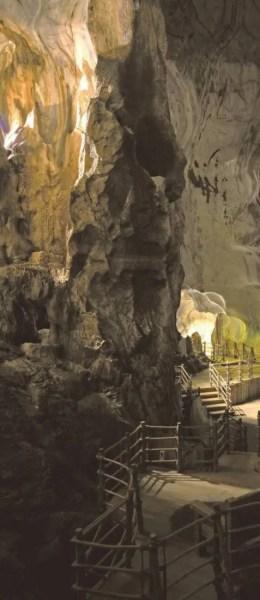 Les grottes du Banjaran sont riches en minéraux aux vertus énergisantes et purifiantes. On ne s'y baigne pas, mais on y pratique le Reiki, les minéraux agissant comme conducteur avec cette méthode de soins basée sur la diffusion de l'énergie.
