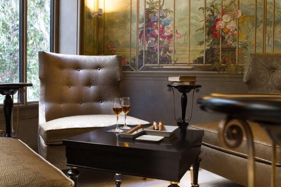 La-Reserve-Paris-Hotel-fumoir