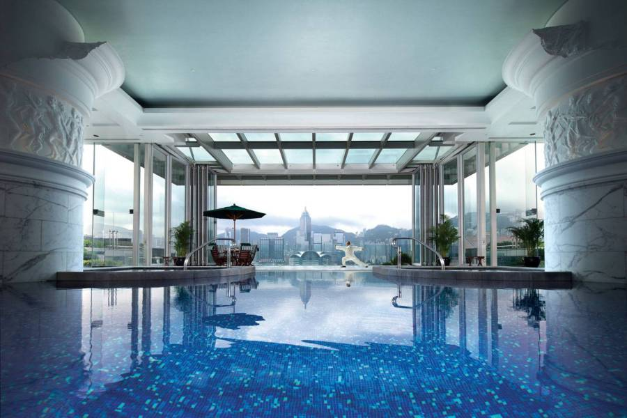 Victoria-Harbour-view-from-the-pool