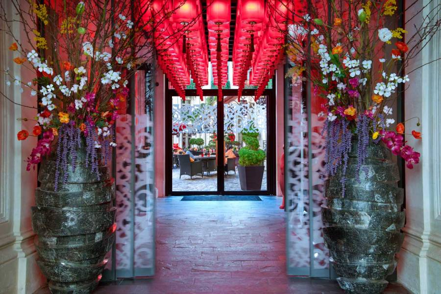 ®Christophe-Madamour-Entrée---Buddha-Bar-Hotel-Paris-L
