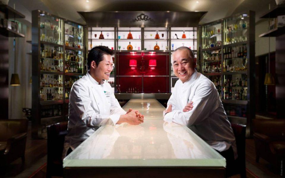 Le-Royal-Monceau-Raffles-Paris---Chefs-Nobu-Matsuhisa-&-Hideki-Endo---Le-Bar-Long-©Romeo-Balancourt