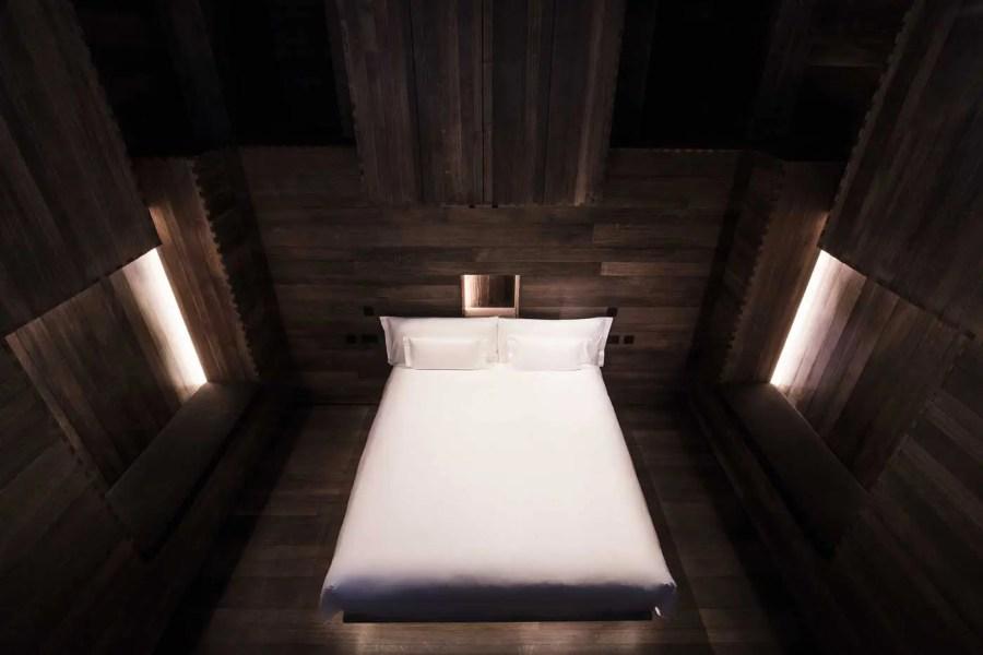 beaumont_gormley_room_bedroom_landscape_gramroad_mr