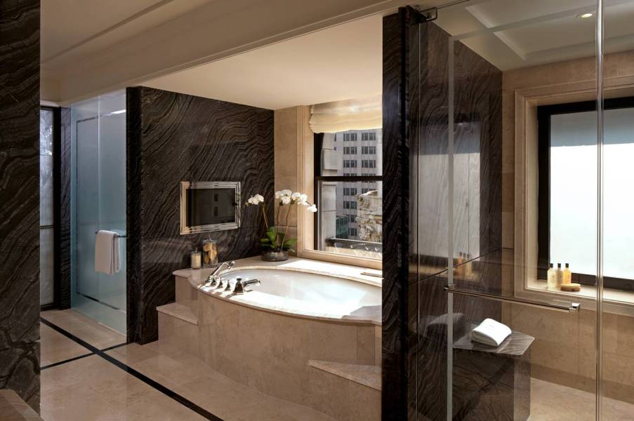 suite-bathroom