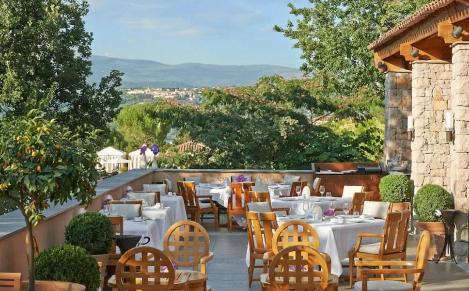 terrasse-du-restaurant-le-faventia-2-copie