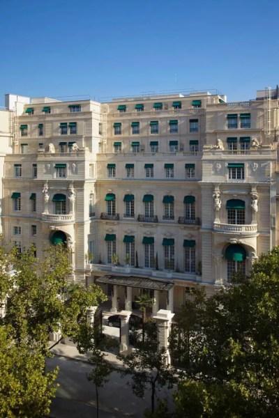 facade-shangri-la-hotel-paris