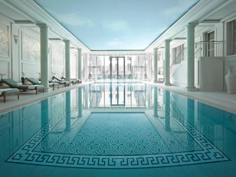 piscine-shangri-la-hotel-paris